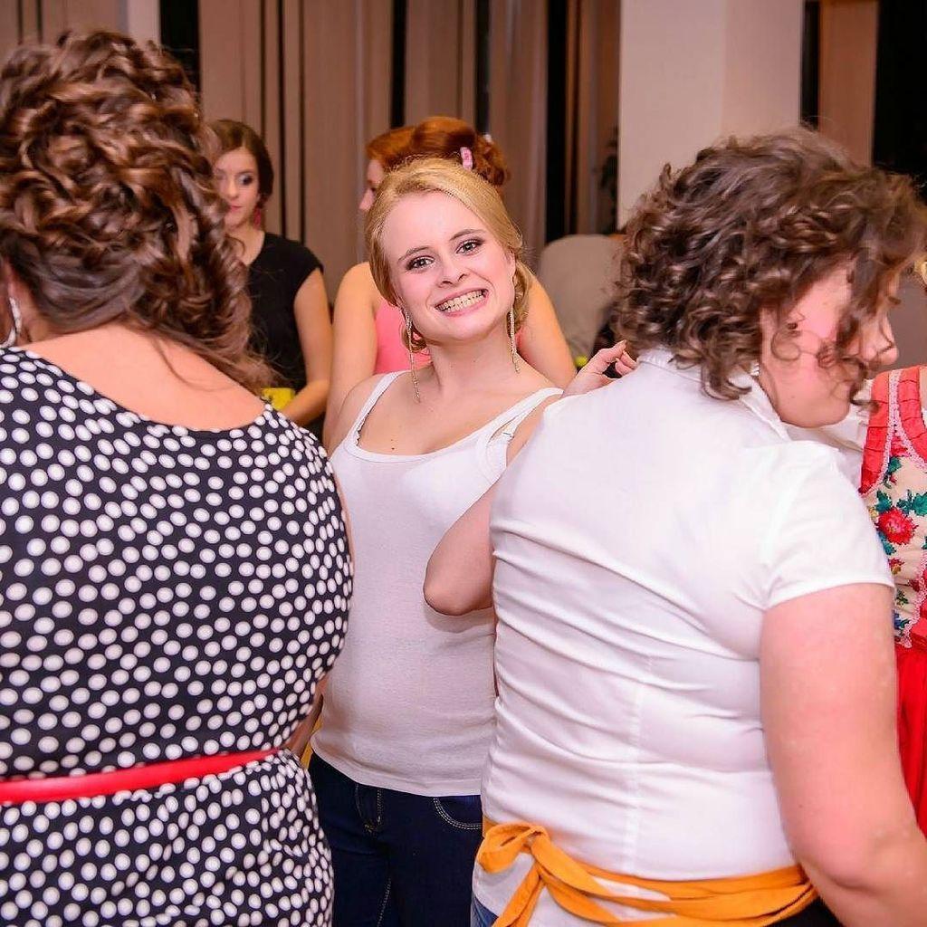 baby I am crazy! #crazy #crazyGirl #prom #princess #primetime #uzivamsito #blonde #slovakia #humenne #girlsty…pic.twitter.com/bMZ7FZjKGc