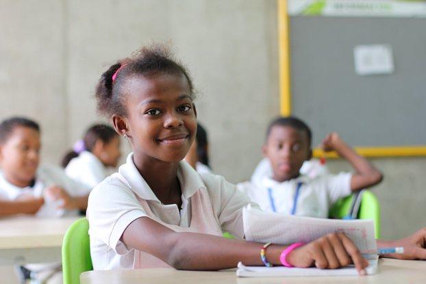 Cuando una niña accede a la educación tiene herramientas para luchar por sus derechos #ViolenciaDeGénero https://t.co/OBAf4wWi4f