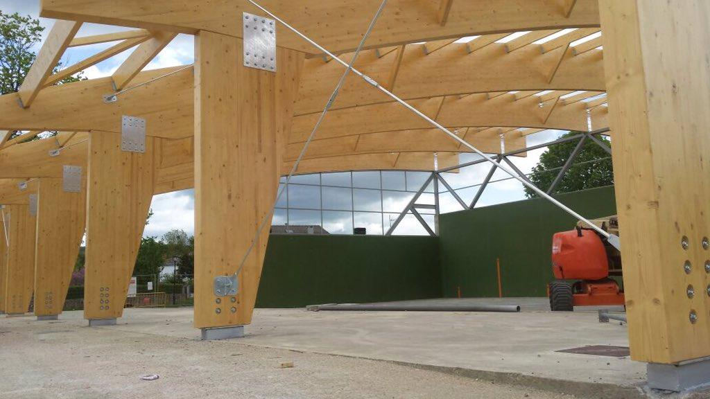 Ejestru sl on twitter cubr cion fronton en alava estructura vigas y pilares madera laminada - Estructura madera laminada ...