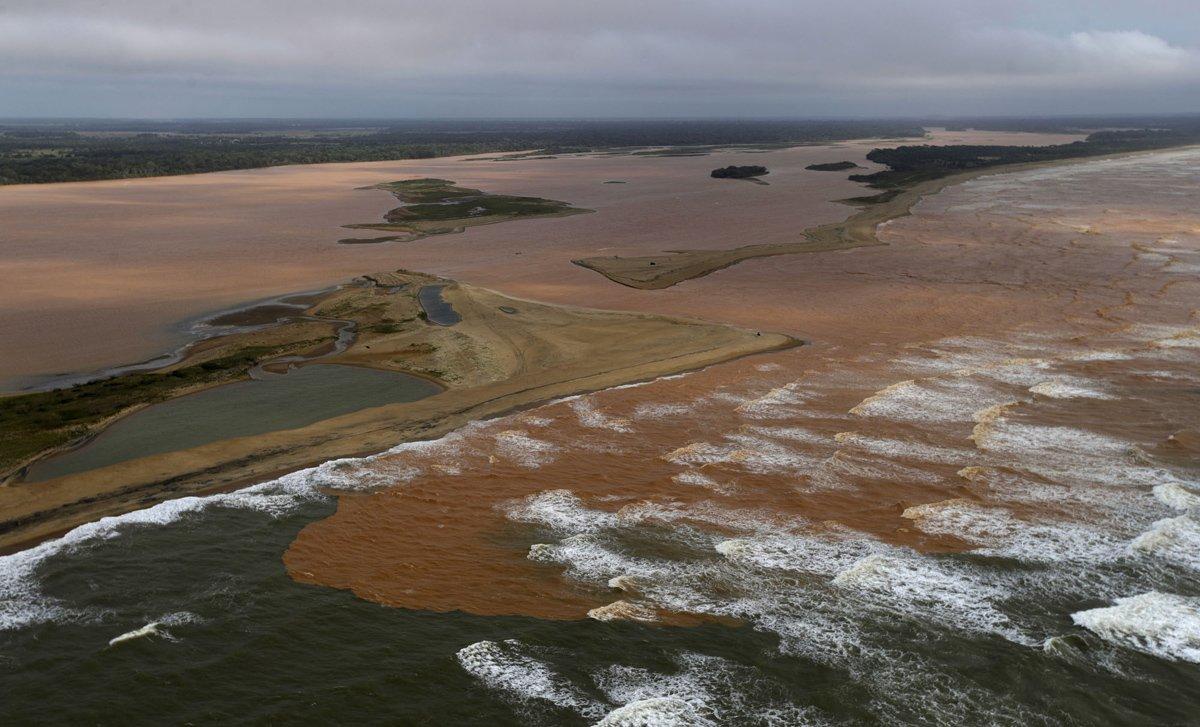 Il fango tossico è arrivato all'Oceano Atlantico dopo aver percorso 500 Km lungo tutto il Brasile