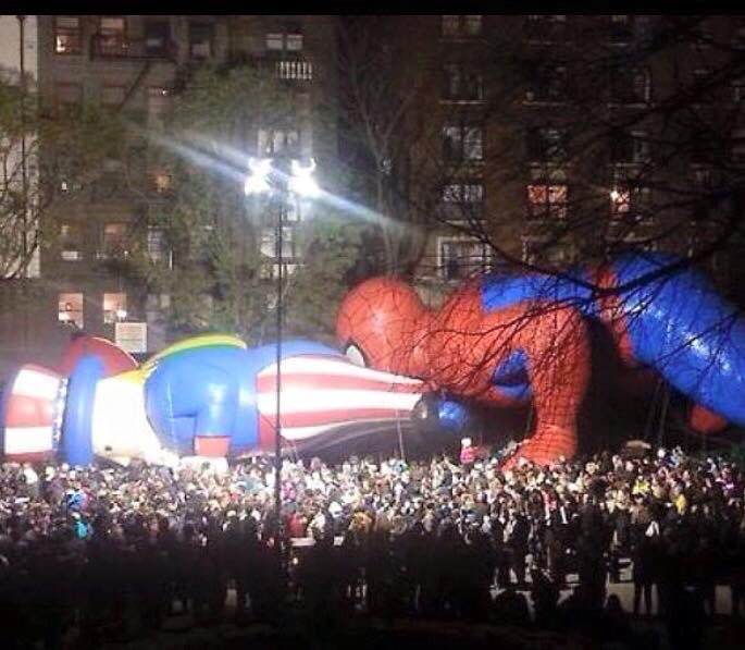 Oh yeah. Spidey is starting his Thanksgiving feast early. https://t.co/21Ddl2oFe5