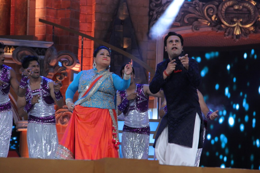 Host Bharti & Krushna entertain audience at Zee Rishtey Awards 2015 (ZRA 2015)