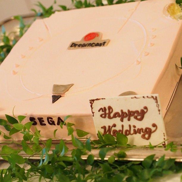 ウェディングケーキがドリキャス #ドリームキャストの誕生日だし思い出語れよ https://t.co/DAipuHCmkz