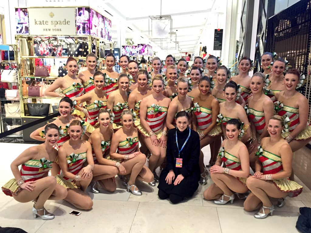 #HappyThanksgiving from the #MacysParade! ❤️, the #Rockettes https://t.co/w26ArNZySf