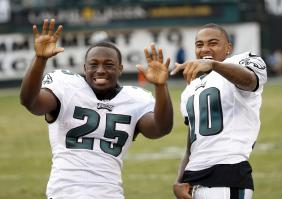 And you know @CutonDime25 & @DeSeanJackson11 gotta be looking at the Eagles and Chip Kelly like…. https://t.co/8silJFAyrM