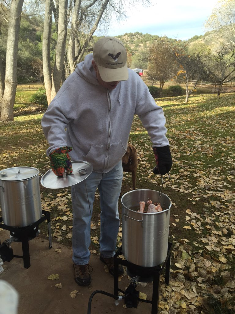 Starting #Thanksgiving off right in Sedona #Arizona w/ fried #turkey - a family tradition! Happy Thanksgiving! https://t.co/yuys9I9UT6