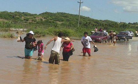 El Niño floods Peru, Chile and Ecuador: https://t.co/1EJIvcZD46 https://t.co/J5Lyr85ixd