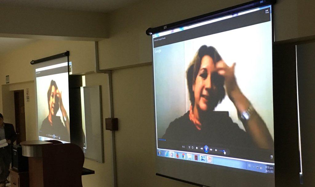 Ahora @swaforini comparte con comunicadores peruanos su experiencia como periodista científica #VidayFuturo https://t.co/GP2Tg1smxw