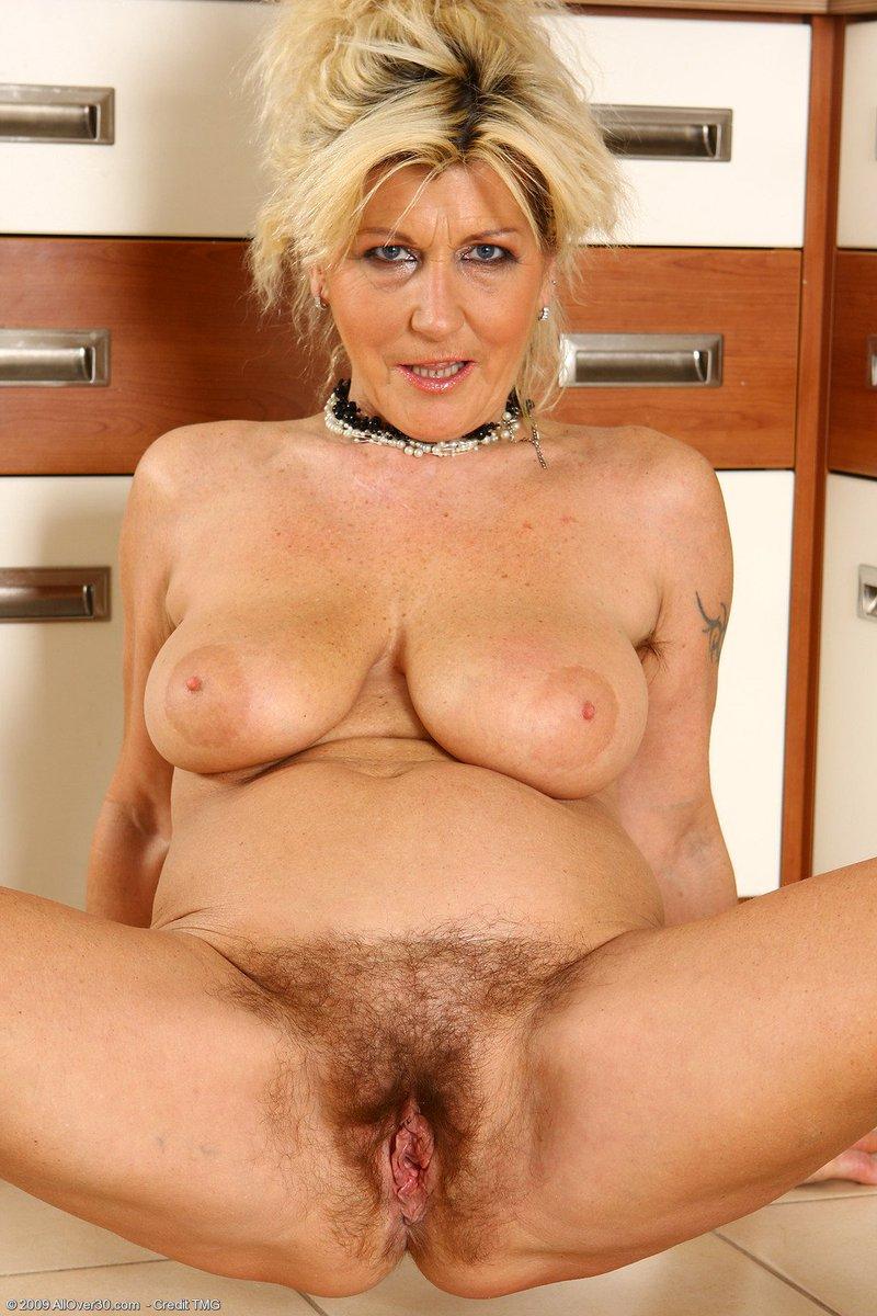 голые зрелые волосатые бабы