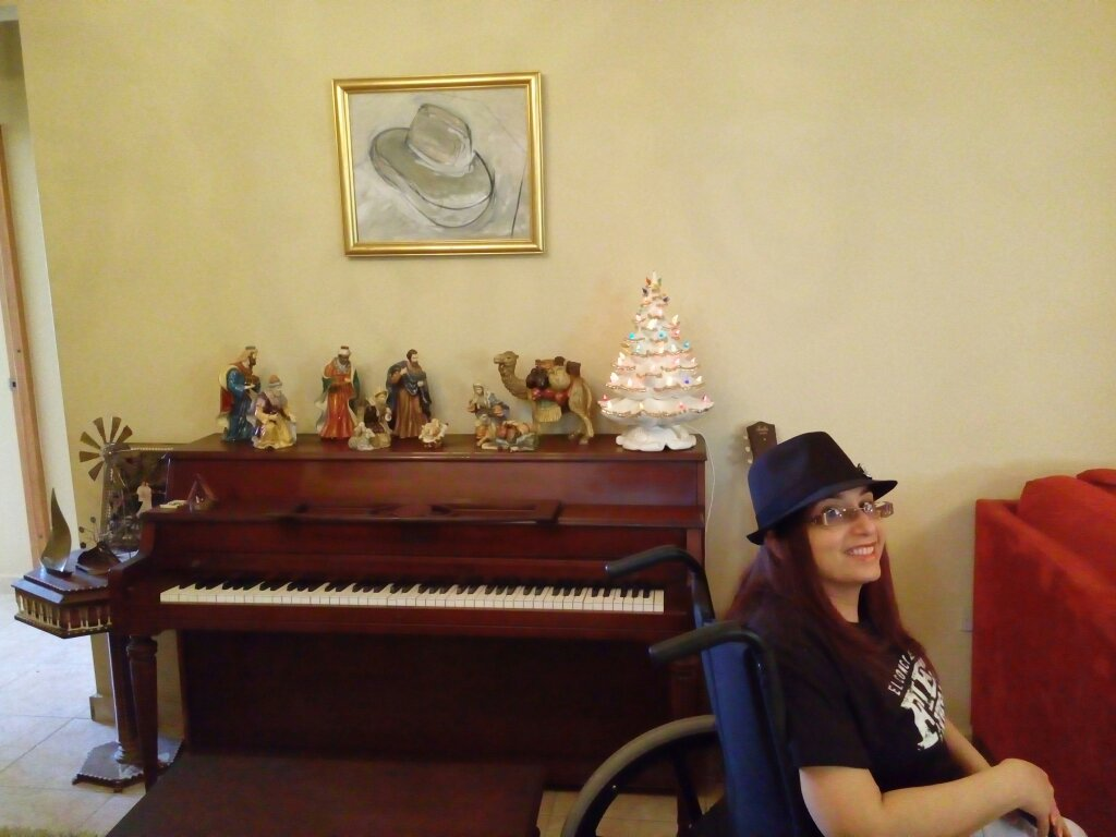 Hat and piano. I want to play it like him #MTVStars Bruno Mars. RT to vote https://t.co/9b418pR4tS
