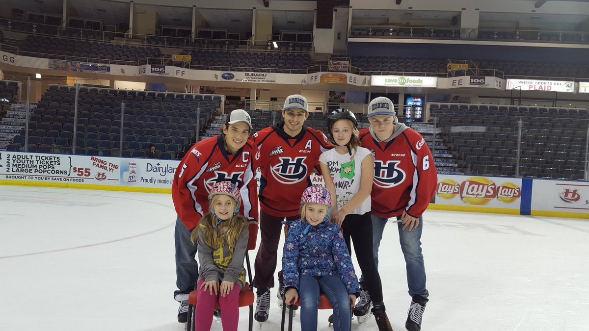 Some of my kids having fun with some of the @WHLHurricanes at the @LC_SA kids Christmas party. https://t.co/ptPctf6yiN