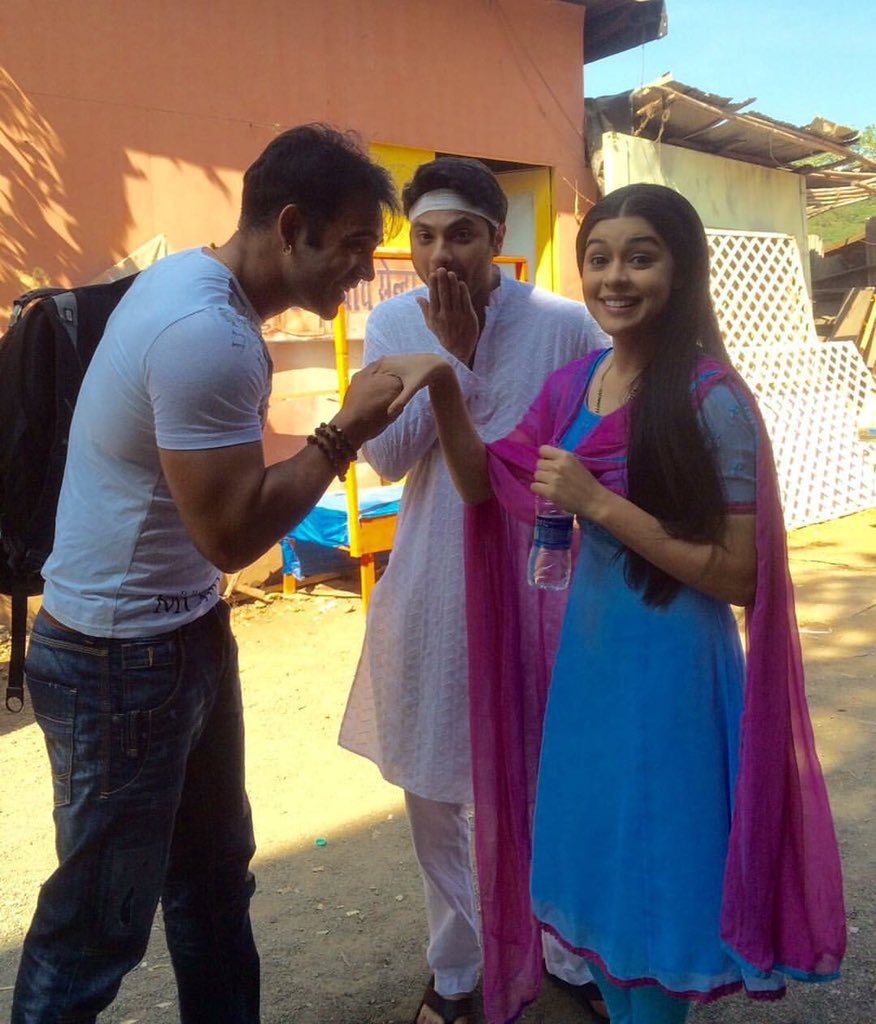 Mishal raheja and Eisha Singh aka Viplav and Dhani - Off screen Picture/Photo