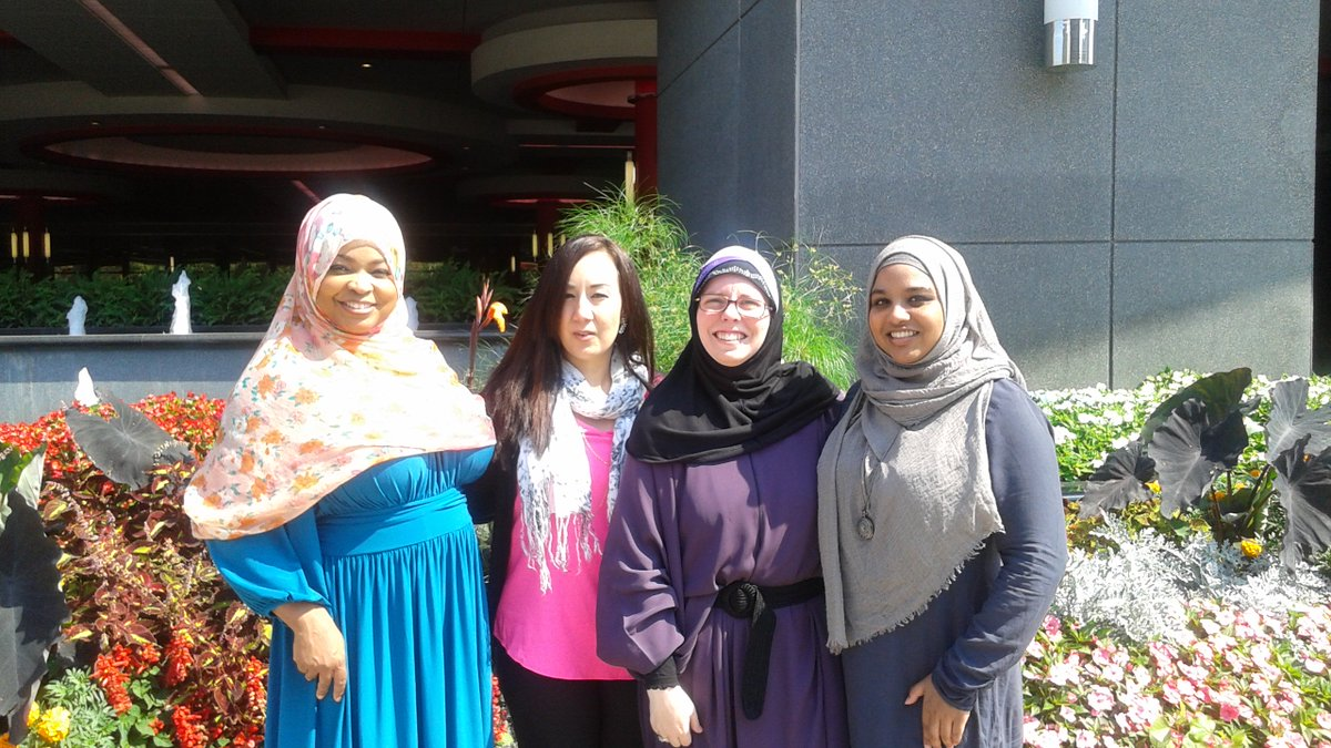 My @MuslimARC squad. Amazing, dynamic women that I am constantly inspired by #MuslimAmericanFaces https://t.co/LnkZYc7ufz