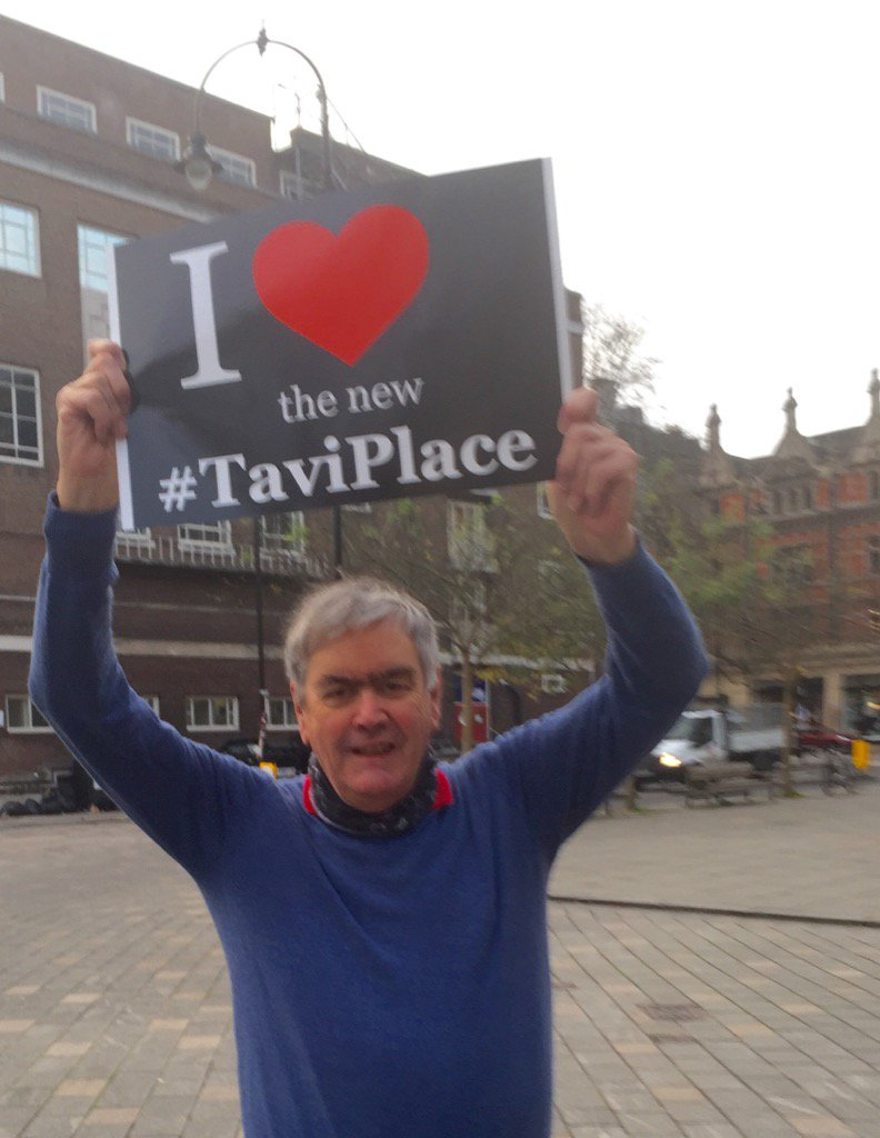 The new experiment favouring pedestrians and cyclists is a great hit IMO. Paul B #ILoveTaviPlace @saferbloomsbury https://t.co/YUPD7tAc6F