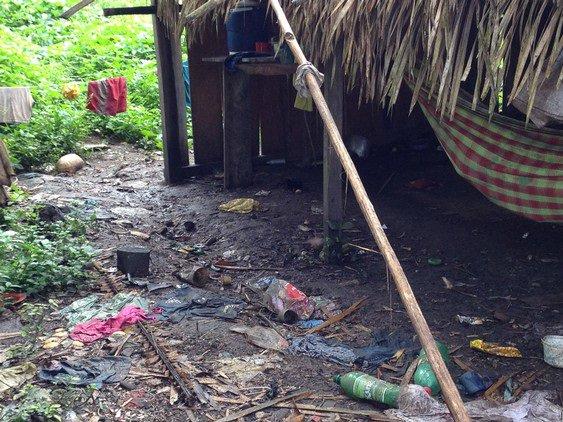 Distribuição indiscriminada de mercadorias pela Norte Energia para índios de recente contato encheu aldeias de lixo. https://t.co/RI8H4iDeQl