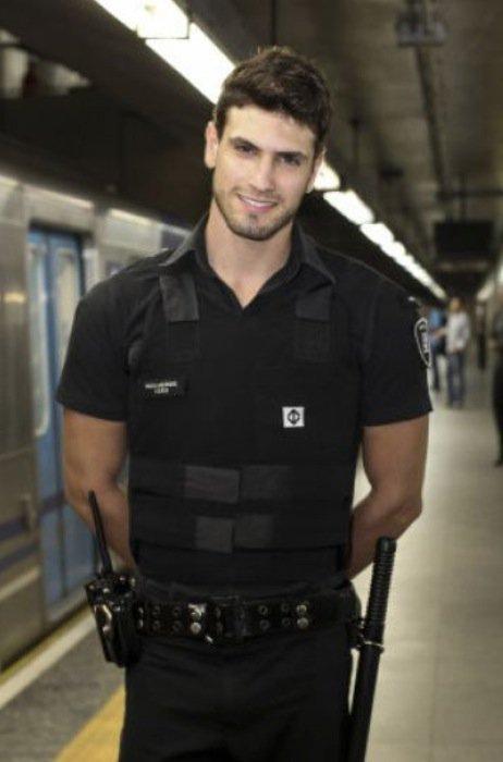Resultado de imagen para policias guapos mexico