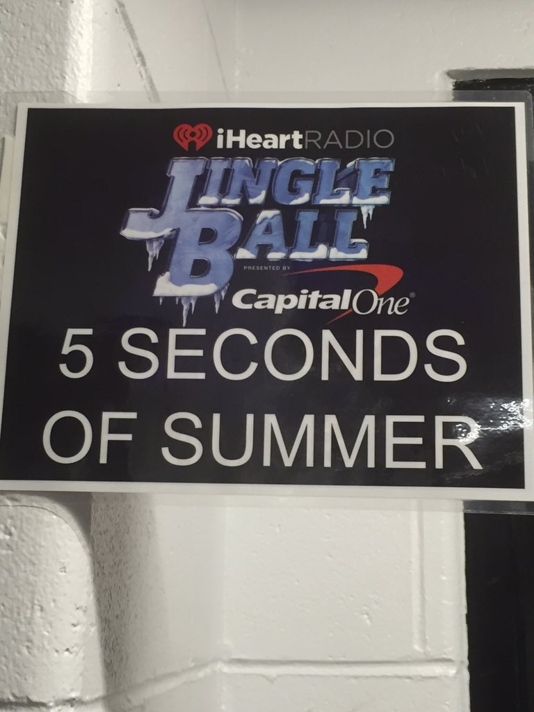 Backstage at @5SOS dressing room