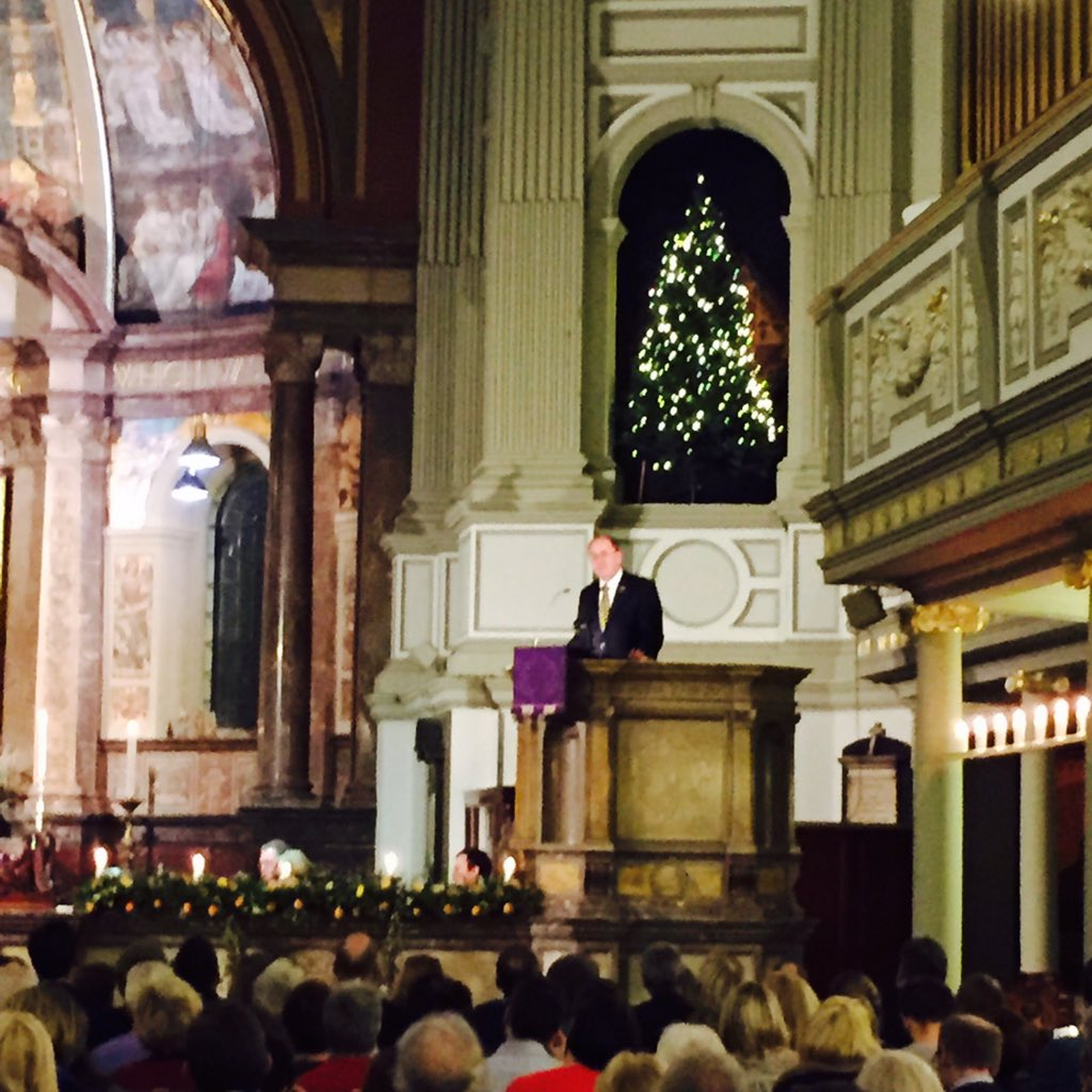 Our Chief Executive @tomwrightuk shares a Christmas message with the audience. #LoveChristmas https://t.co/nLKWYYU2Qb