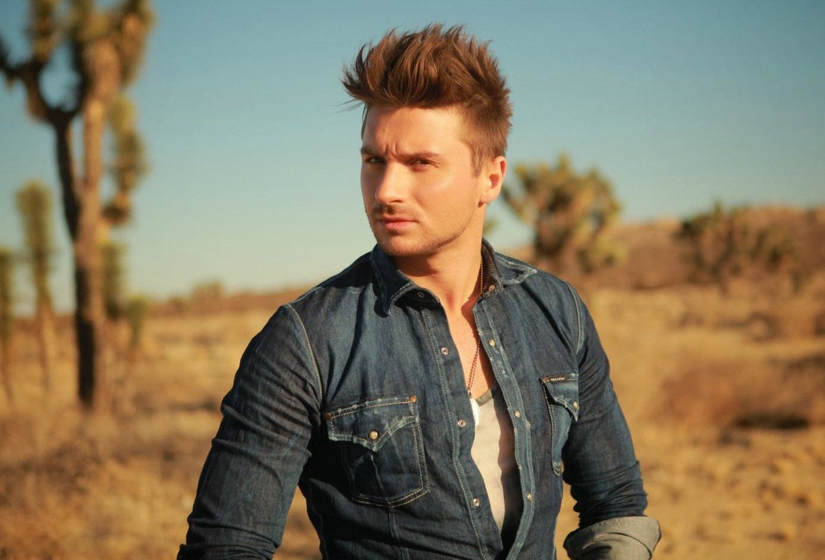 "Rusia 2016 >> Sergey Lazarev ""You Are The Only One"" - Página 2 CV5RgtuWUAEynSj"