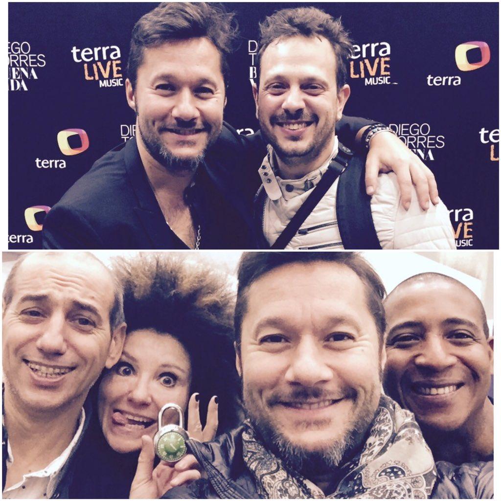 Buenos momentos después del concierto para #TerraMusic con los queridos Ezequiel Ghilardi,Alex,Maga y Esteban! https://t.co/zhseXDor3Z