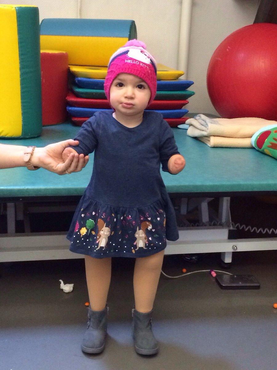 لأن الحياة أقوى.. الطفلة إيلا طنوس تقف على رجليها.. وتبقى #العدالة_لايلا https://t.co/qh06ue3Dvh