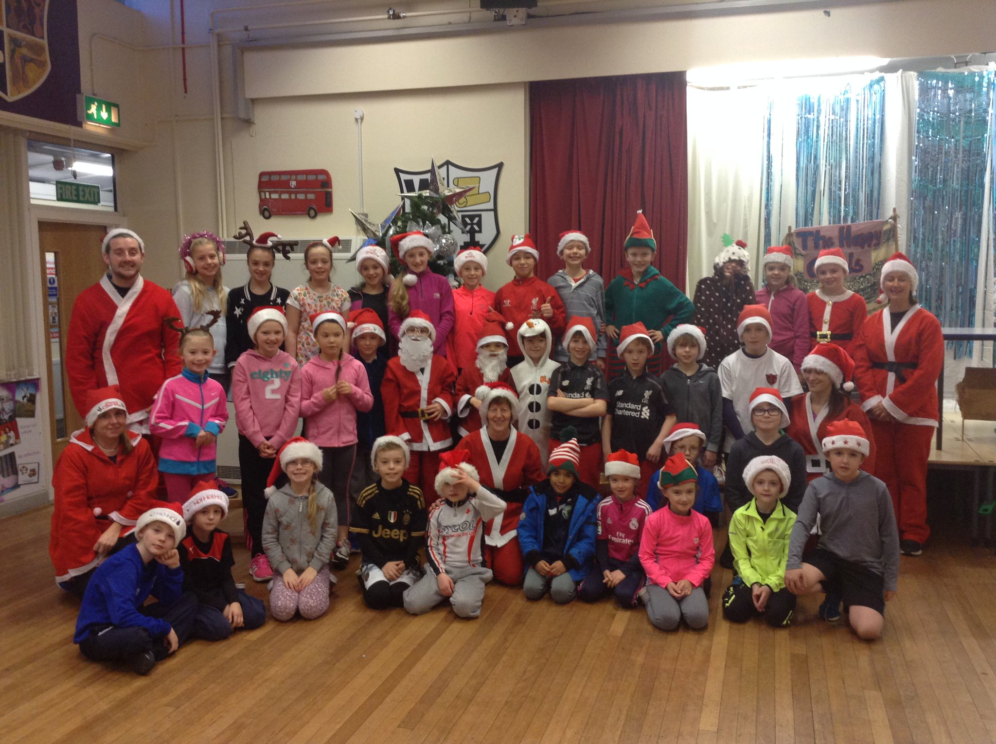 woolton primary on twitter   u0026quot it u0026 39 s santa dash time with the