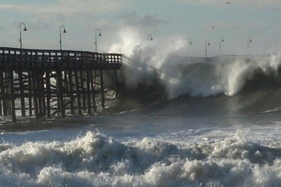Ventura Pier & a section of Harbor Boulevard are closed this morning. https://t.co/5u4dUuJjw6 https://t.co/lCtaHCiMDf