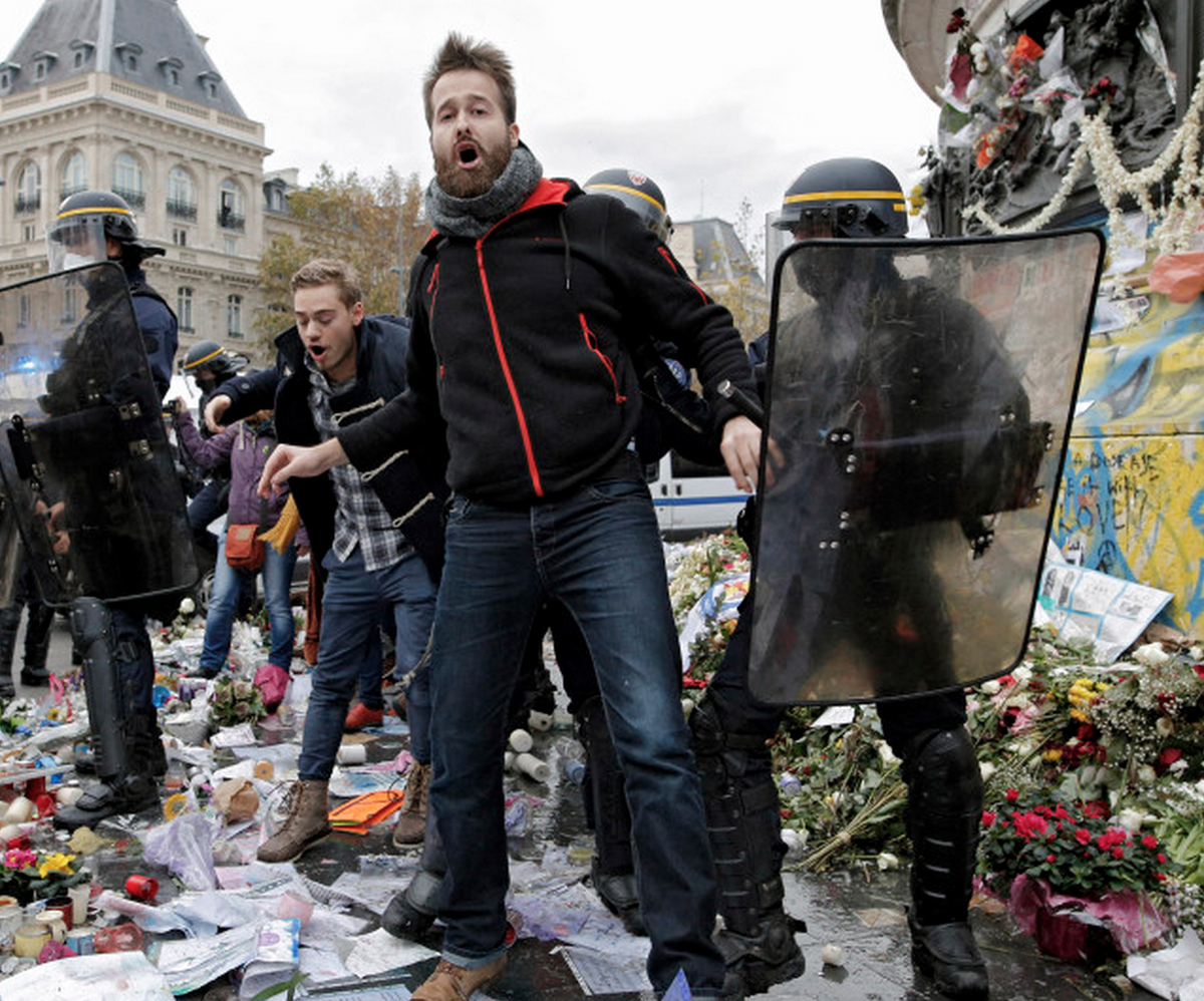 Leftist protesters destroy memorial for Paris terrorism victims