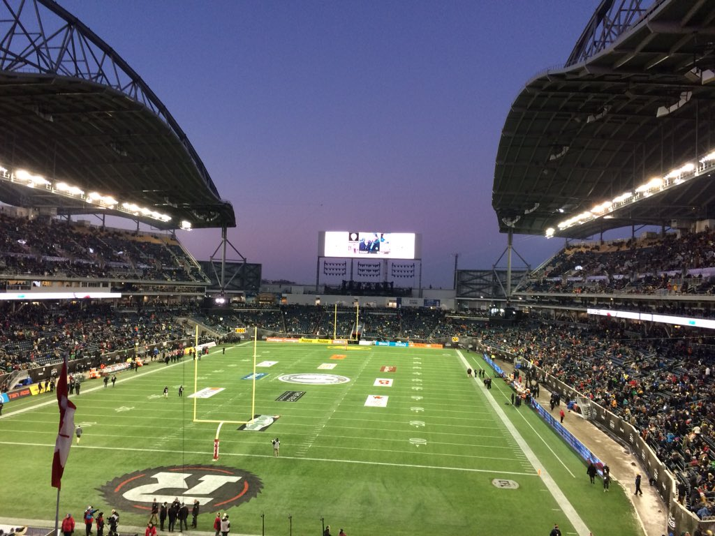 My favourite time of year! @CFL @GreyCupFestival @REDBLACKS @EdmontonEsks #ywg #GreyCup103 https://t.co/0YiuI4Zj3L