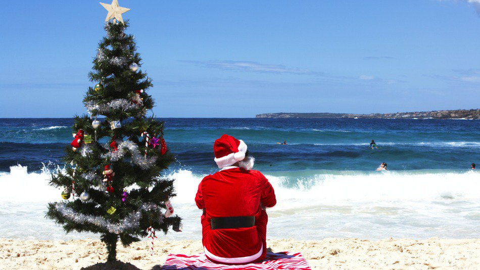 RT @mashable: 7 Christmas decorations you need for a true blue Australian holiday season. https://t.co/7a5xUVqN4P https://t.co/S6bOtsp7np