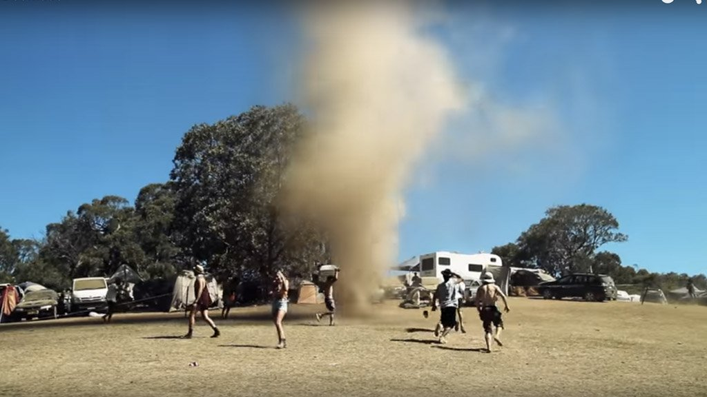 RT @mashable: Partygoers go wild for mini-tornado after it appears at Aussie music festival. https://t.co/gbY3eKbwvy https://t.co/PNb0ltk1iY
