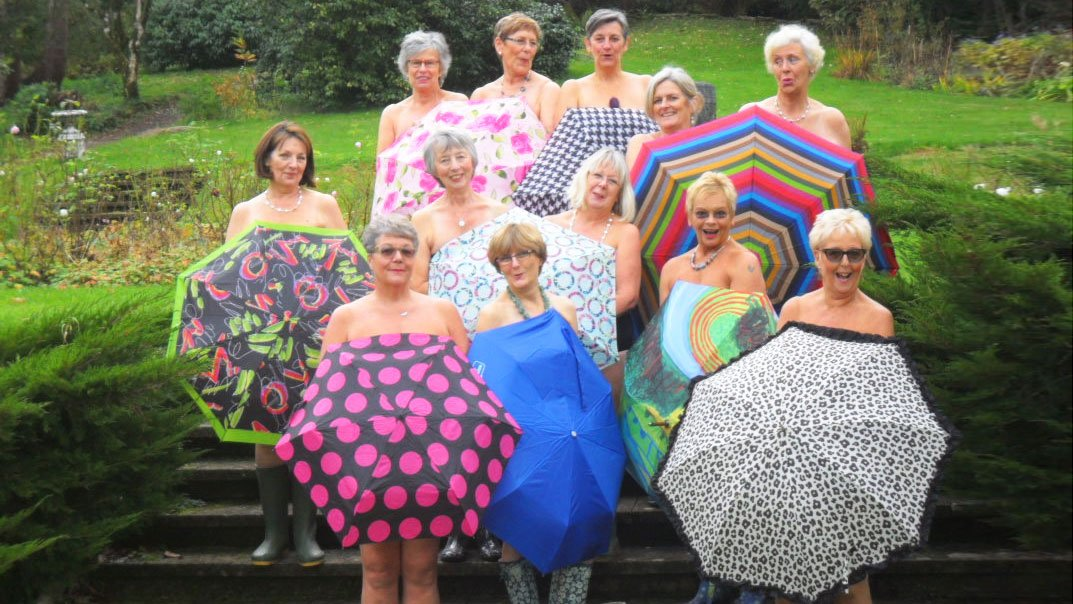 RT @Leicester_Merc: RT @TheQuirker: WI ladies brave the nippy weather for saucy swimwear photoshoot https://t.co/4pqwNOXbIT https://t.co/7Q…