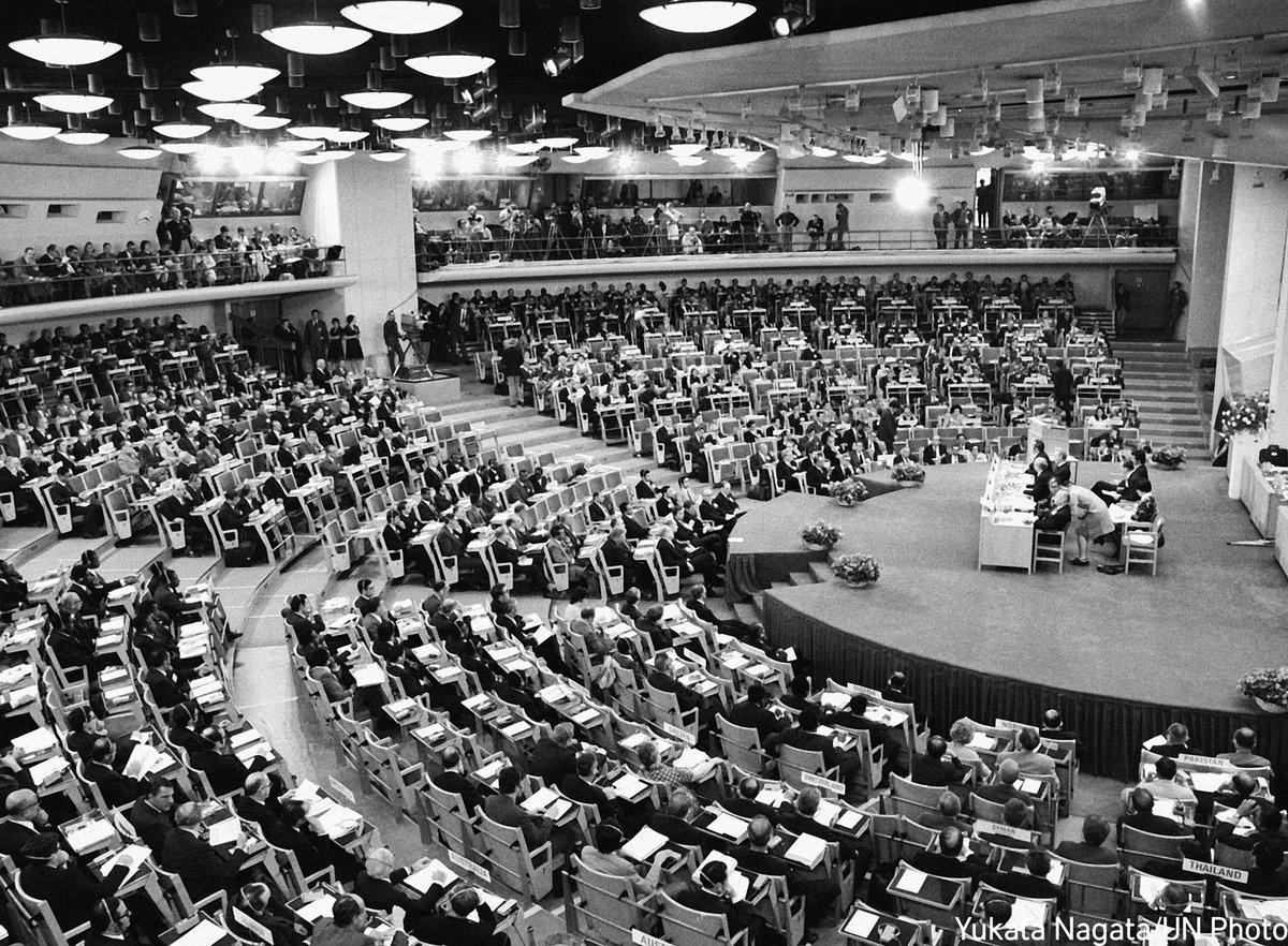 """スウェーデン大使館 sur Twitter : """"1972年に、人間環境問題についての世界で初めての国連人間環境会議がストックホルムで開催されました。そして今年はパリにてフランスが議長国を務めます。 #COP21 https://t.co/3keEYA61s2"""""""