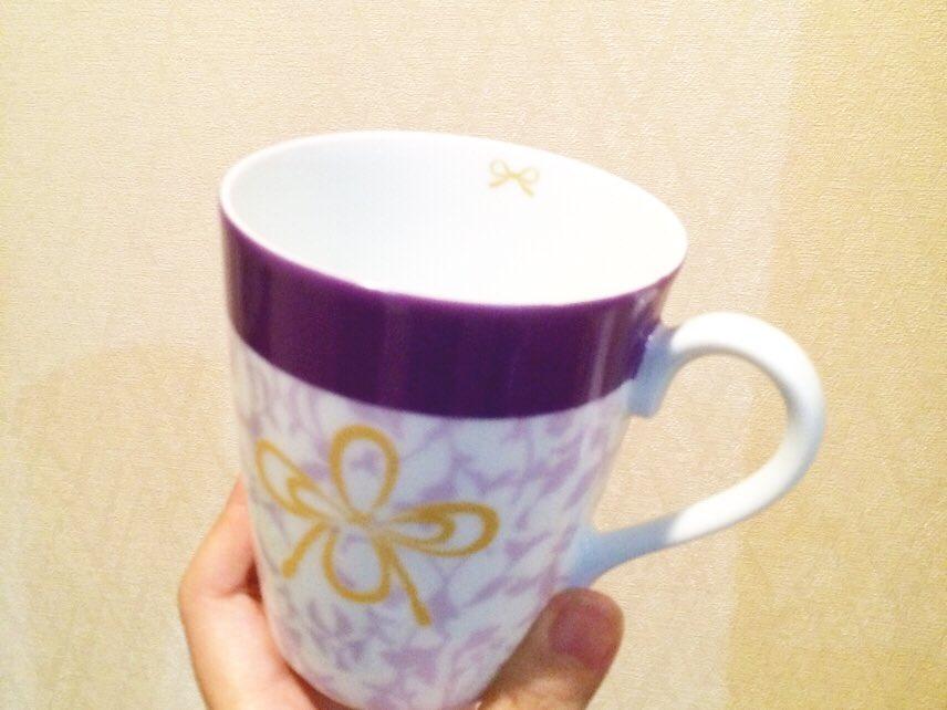 長谷部イメージマグカップ。 洋風です。 結構お気に入りです(≧∇≦) 写真技術が欲しい... もっと綺麗です。・゜・(ノД`)・゜・。