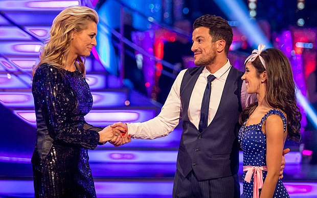 The results show of #StrictlyComeDancing pulled in 10.5m viewers, which was down week on week by 300,000 viewers https://t.co/KFzWHzTrcT