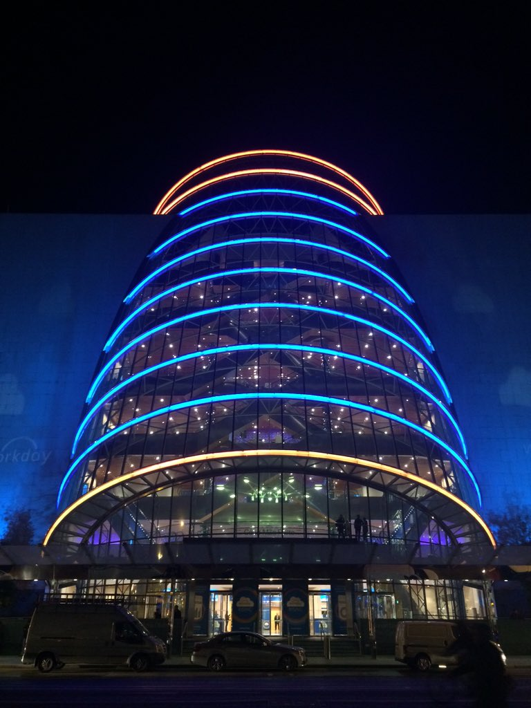 Dublin is lit up for #wdayrising! https://t.co/Sa1VCGMlNR https://t.co/u0lpcEWfru