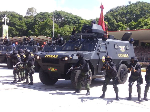 Armed Forces of Venezuela Photos - Page 4 CVE5_PeW4AAYAJl