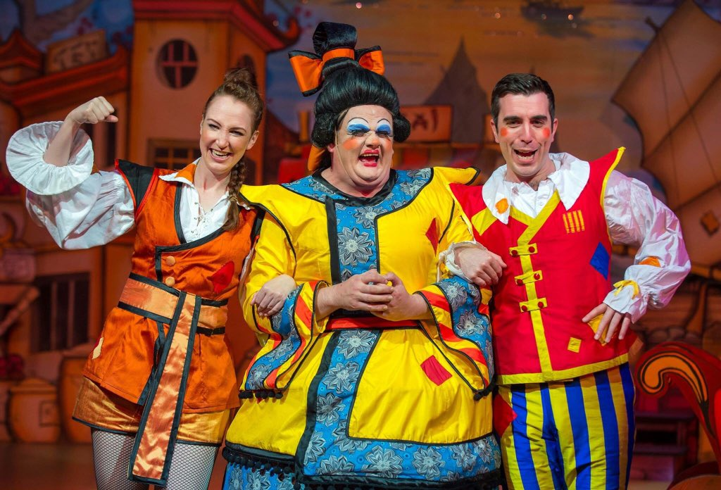 Press night!!! To a Panto run full of giggles!! @QueensTheatreH