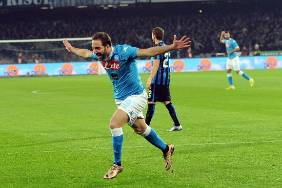 Napoli-Inter 2-1 Video: doppietta di Higuain regala il primo posto in classifica