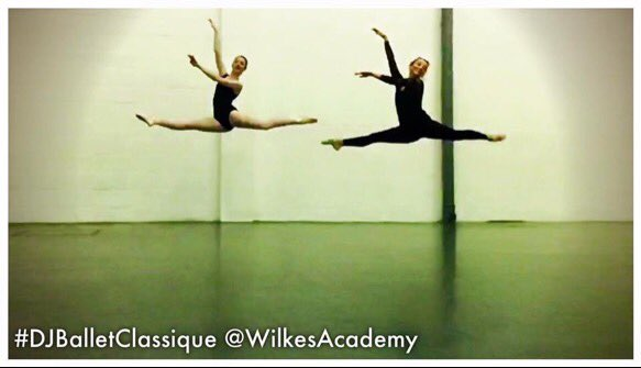 RT @Jonny_Wilkes: Love this picture of 2 of our 2nd year students @WilkesAcademy https://t.co/ilXgHxx0mK