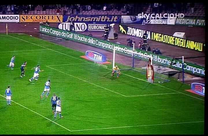Miracolo San Gennaro: Napoli primo da solo in Serie A dopo 25 anni