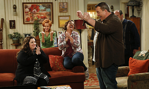 Mark your calendar! Season 6 of #MikeAndMolly premieres Wednesday, Jan. 6th at 8:30/7:30c. https://t.co/rDslzMJl4Z https://t.co/R0xRwUNioB