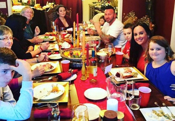 Sharing personal pics from my first time hosting Thanksgiving with my family... https://t.co/w1LMyGvgfq 🍁🍝🍗💯  #feast https://t.co/C8A6iPJjho