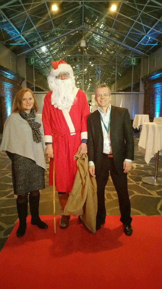 Santa Claus likes Open Scholarship! @knowexchange 10th Anniversary with Anne Lipp #KEevent15 https://t.co/UprQfDMm0V