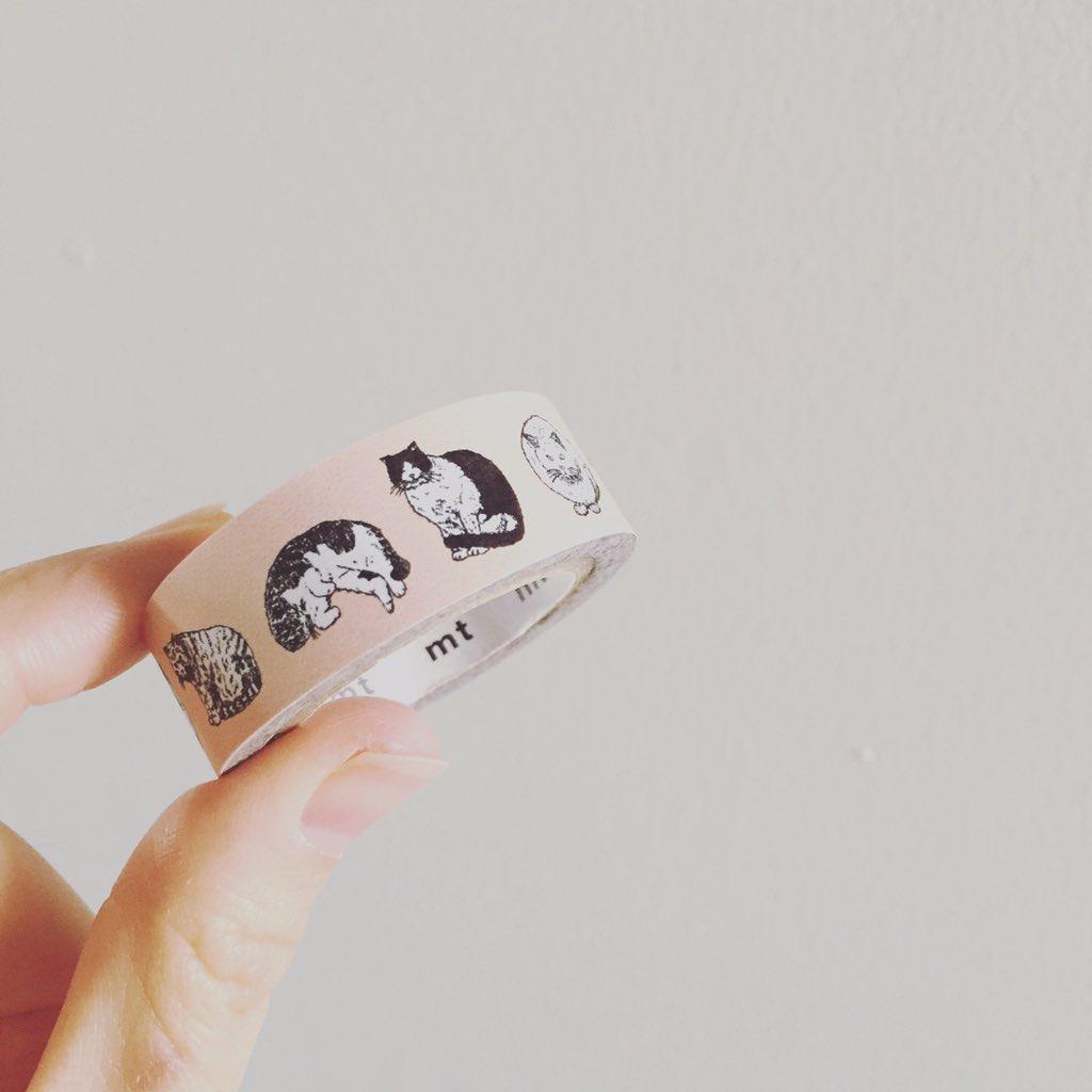 お休み明けに、こんな柄のマスキングテープを販売予定です。むふふ。 https://t.co/OZ8Zhl6bM0