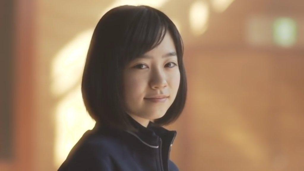 寂し気笑顔の柴田杏花