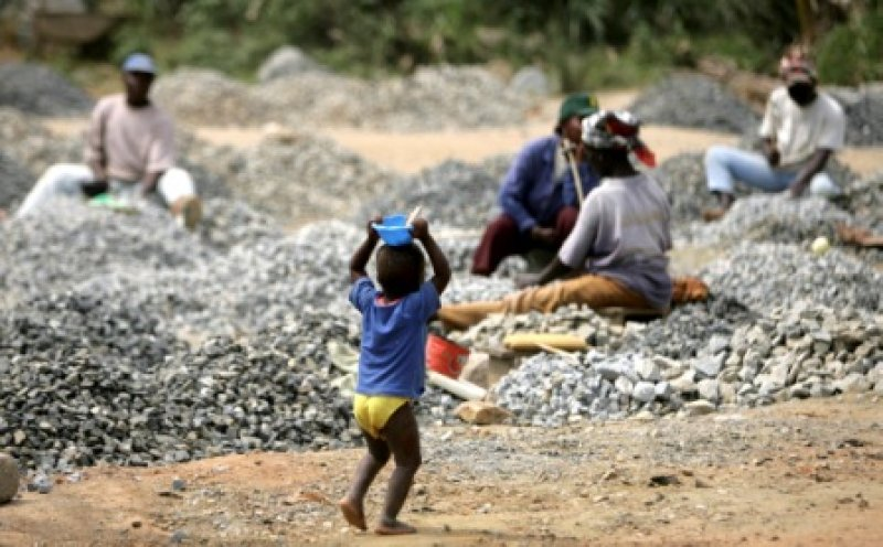 Girl, 14, dies in Chinese stone quarry pit https://t.co/smCEKWn3A6 #Ghana via @Starr1035Fm #Sconcert https://t.co/rvb6bzP8rh