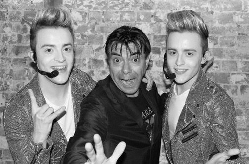 Flashback 2 years ago today when I met @planetjedward https://t.co/kNOMTl7Hnf https://t.co/XFkVOVpZzH