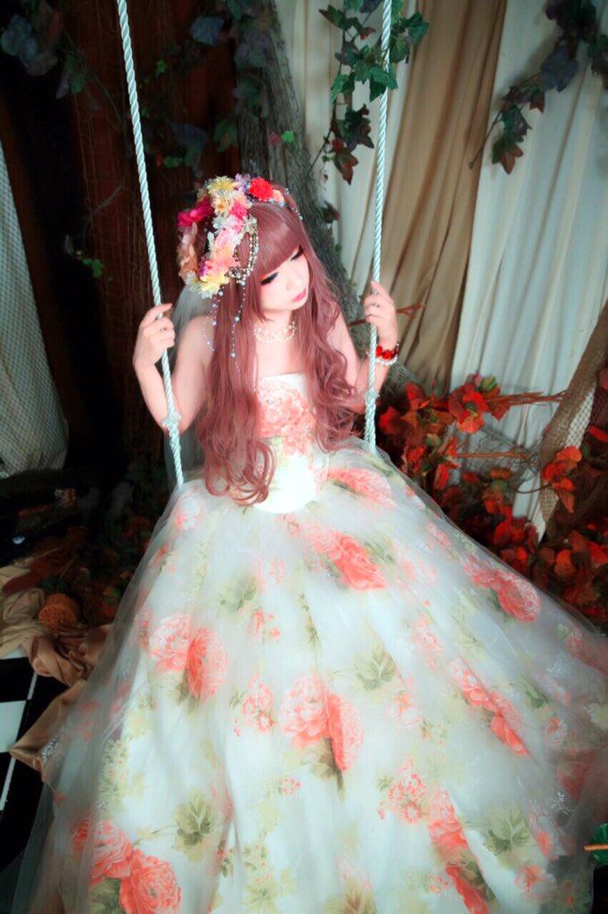 ドレス撮影してきました! 二の腕と丸顔はあまりみないで!!  #女装 #男の娘 #ドレス #女に見えたらRT https://t.co/3o3rllkwKd