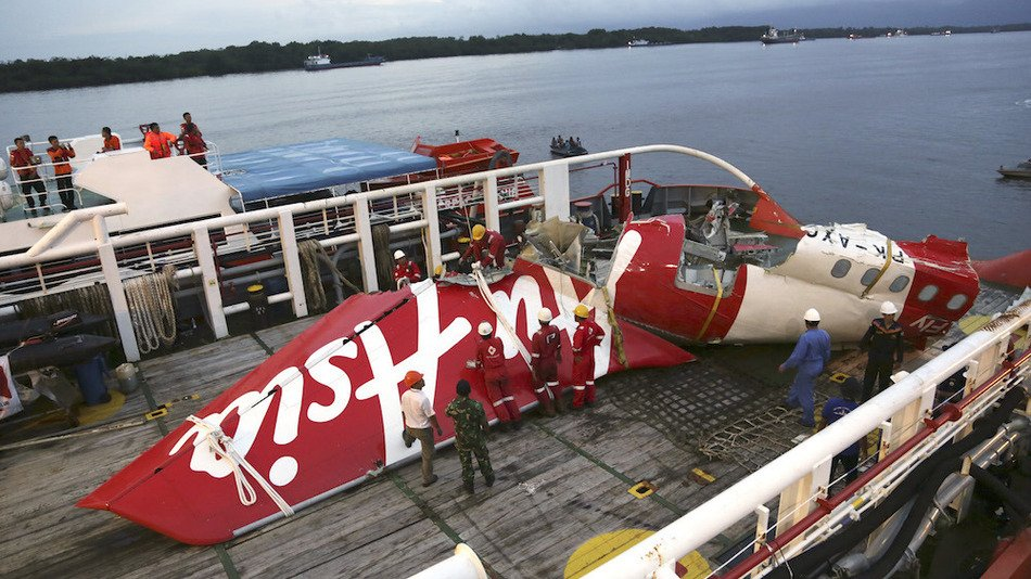 RT @mashable: Faulty plane part was a 'major factor' in AirAsia crash that killed 162, investigation finds https://t.co/QUUQLcUV4E https://…